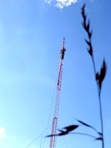 Montagem da torre de transmissão no dia 07 de setembro de 2013. Foto: Arquivo Turvo Ativo FM.